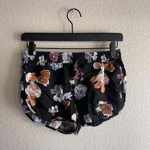 Forever 21 Floral Shorts Size Small